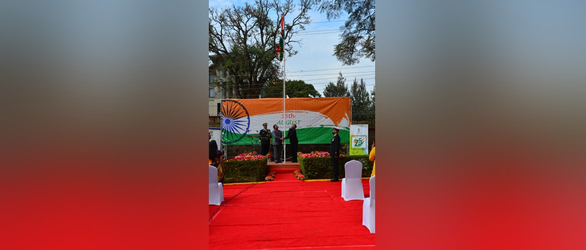 Cd'A <i>a.i.</i> Mr. Ashish Sinha hoisting the  flag on the occasion of 75th Independence Day, 2021