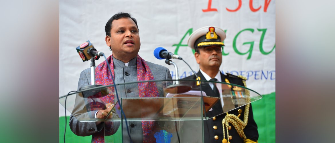 Cd'A, <i>a.i.</i> Mr. Ashish Sinha reading the message of the Hon'ble President of India during the celebrations of 75th Independence Day, 2021